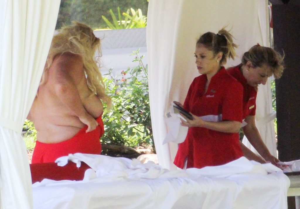 BBW blonde Gemma Collins baring her big fat knockers in Spain gallery, pic 46