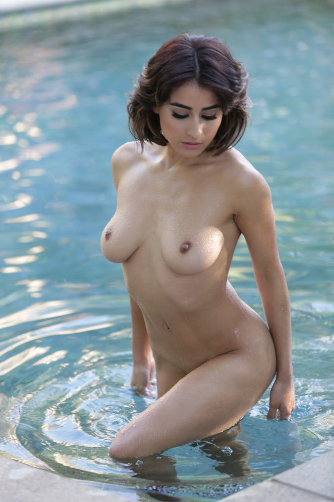 Exotic beauty Mia Valentine emerges totally naked from the water gallery, pic 19