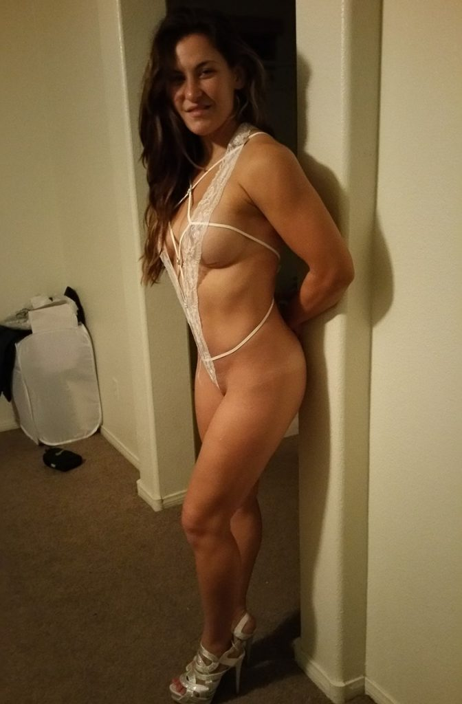 Leaked Miesha Tate Pictures: She Shows Pussy and Naked Boobs gallery, pic 3