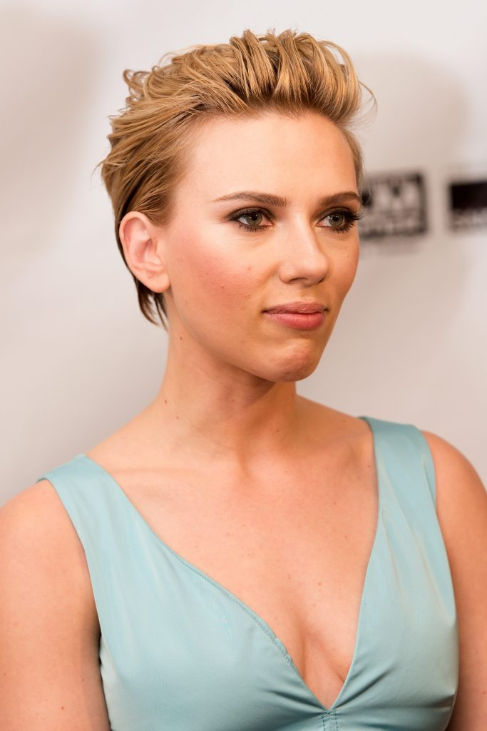 Stunning Scarlett Johansson Cleavage Picture Collection (11 Photos) - The Fappening!