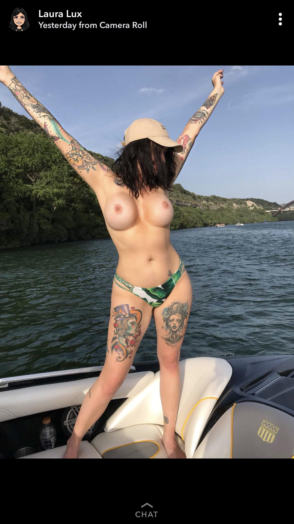 Laura Lux Hot