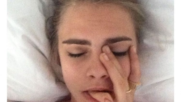 Model/Actress Cara Delevingne Sucks on Her Fingers/Masturbates