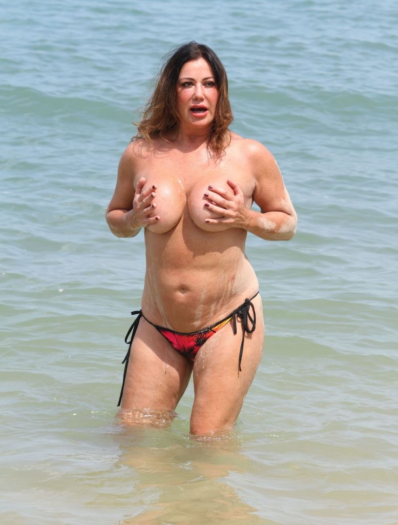 Lisa Appleton's Latest Topless Pictures to Make You Cringe gallery, pic 52