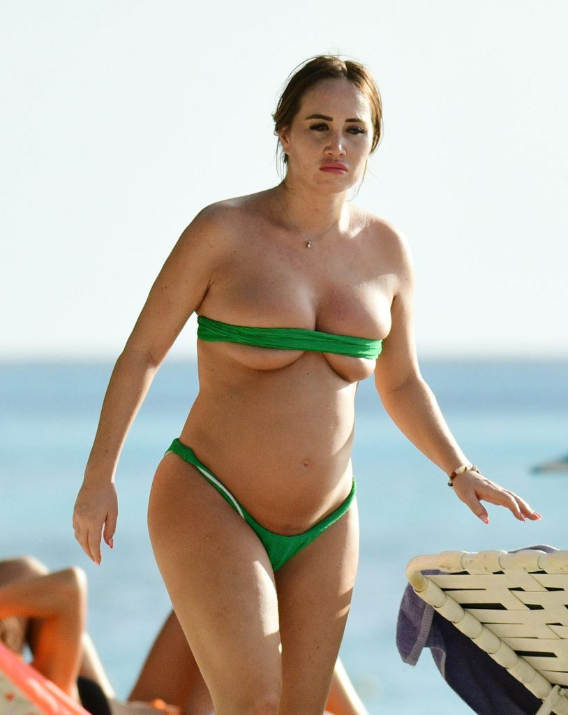 "Pregnant Lauryn Goodman Shows Her ""Hot"" Body in a Green Bikini gallery, pic 2"