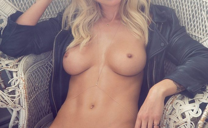 Blonde Stunner Rachel Harris Shows Her Hairy Pussy for the Cam