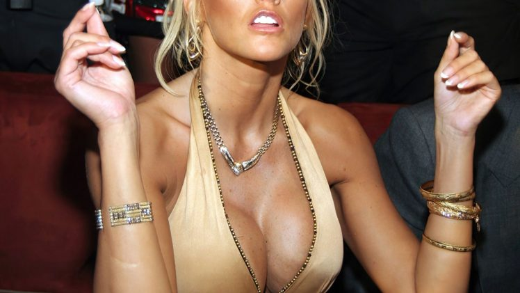 Late and Great Anna Nicole Smith Showing Her Massive Boobies in HQ