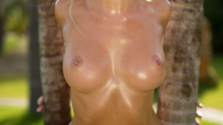 Oily Blonde Yulia Dimetra Flashing Her Titties and Pussy in Public