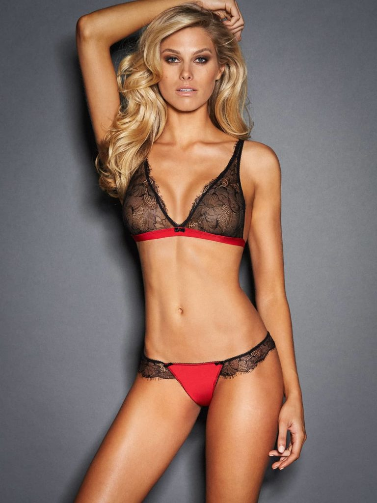 Fair-Haired Hottie Natalie Jayne Roser Shows Her Body in Sexy Lingerie gallery, pic 18