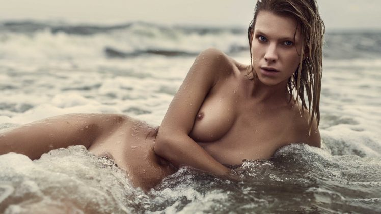 Angela Olszewska Enjoys the Waves While Totally Fucking Naked