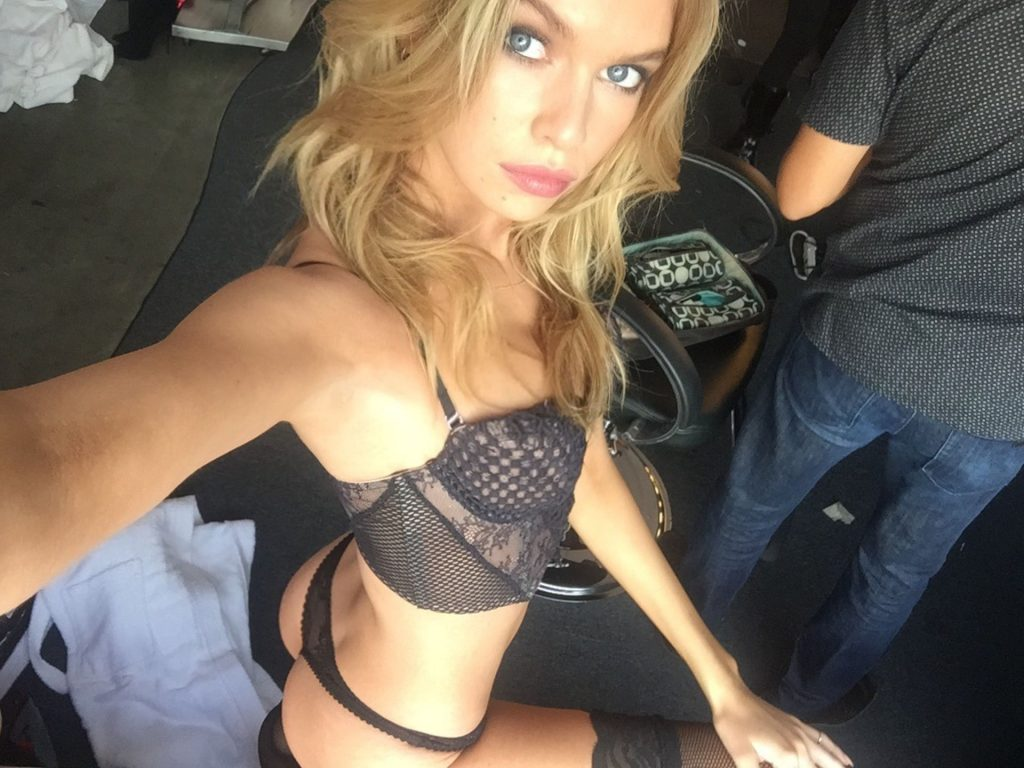 Naked Stella Maxwell Showing Off Her Boobs and Being Extra-Naughty gallery, pic 124