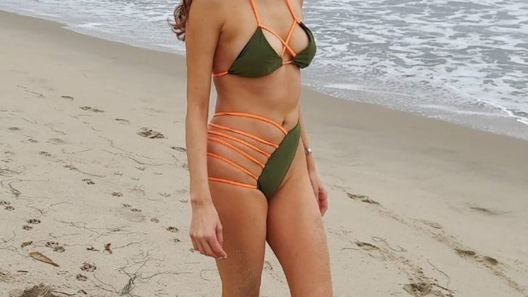 Butterface Blanca Blanco Showing Her Body in a Revealing Swimsuit