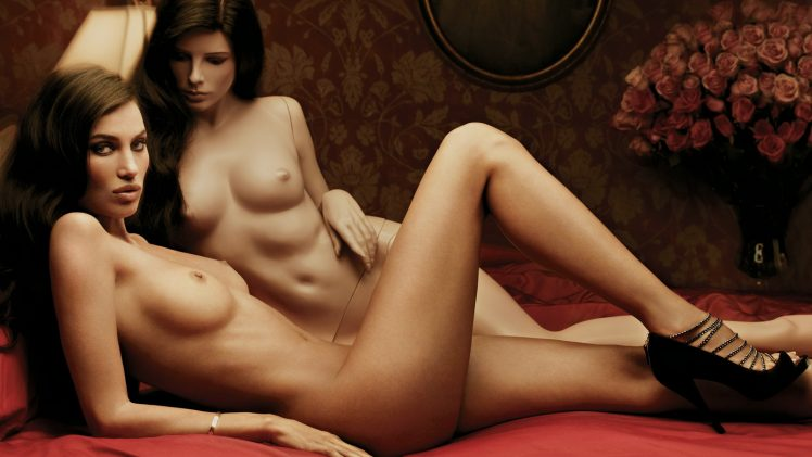 Long-Legged Brunette Alina Puscau Posing with a Sexy Mannequin in a Nude Gallery